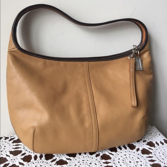 4f3bb1a005 Coach Handbags - 🌸Sale🌸 Authentic Coach Camel Leather Hobo Bag